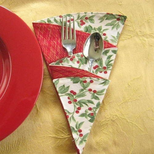 Christmas Tree Cloth Napkins,Red Berries,Red Fabric,Metallic Gold ...