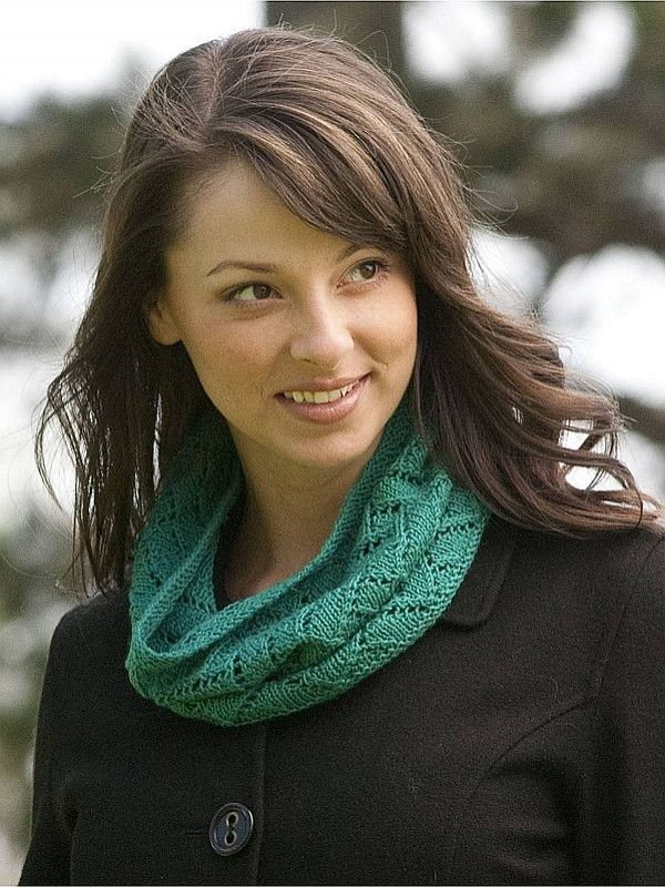 Free lace cowl knitting pattern: get it at Laughing Hens | Colour ...