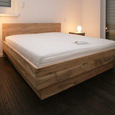 Oud eiken bed