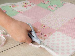 diy anleitung einfache patchworkdecke in pastellfarben n hen via decke n hen. Black Bedroom Furniture Sets. Home Design Ideas
