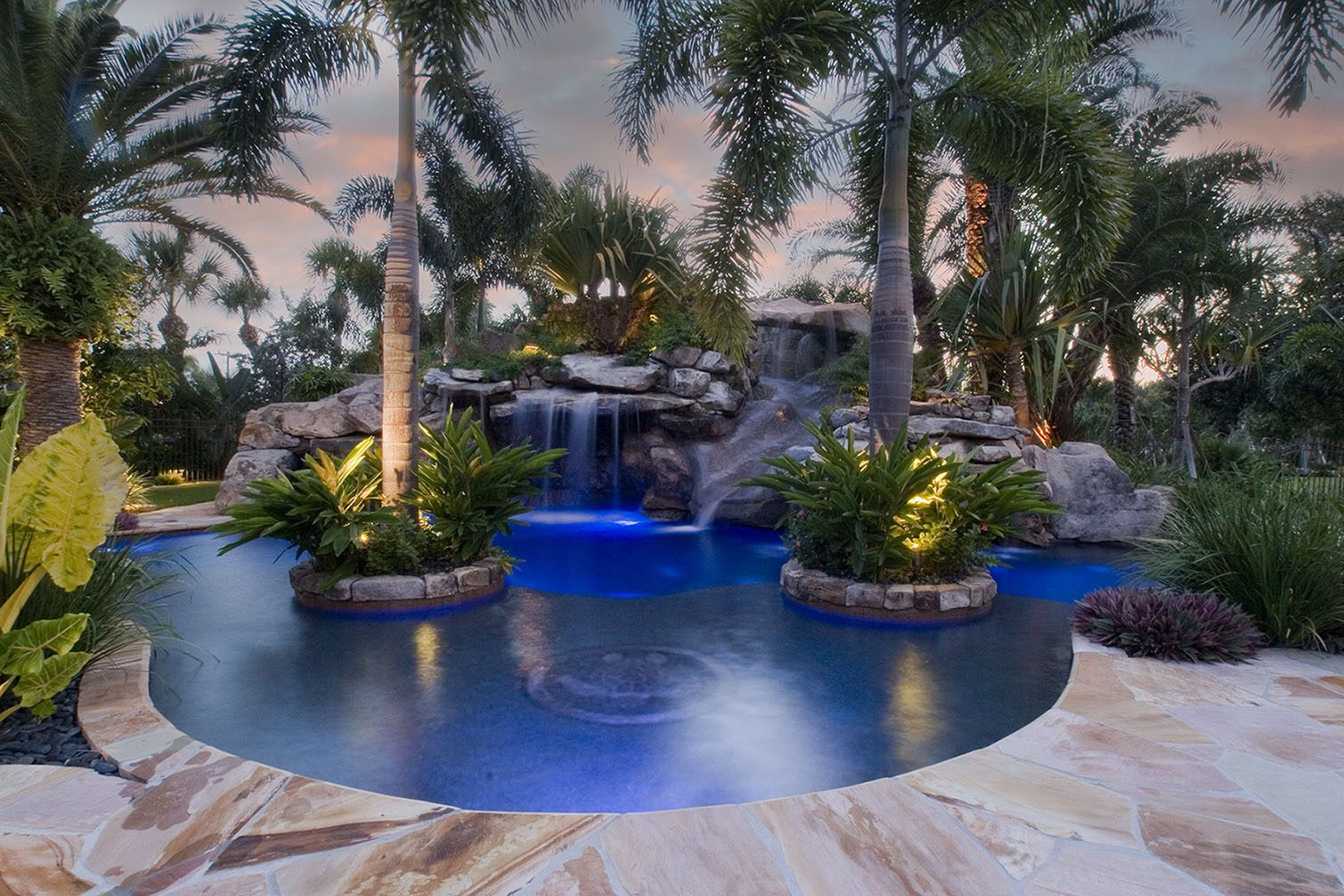 Swiming pools a heinsler front tips to apply pool designs for Pool designs florida