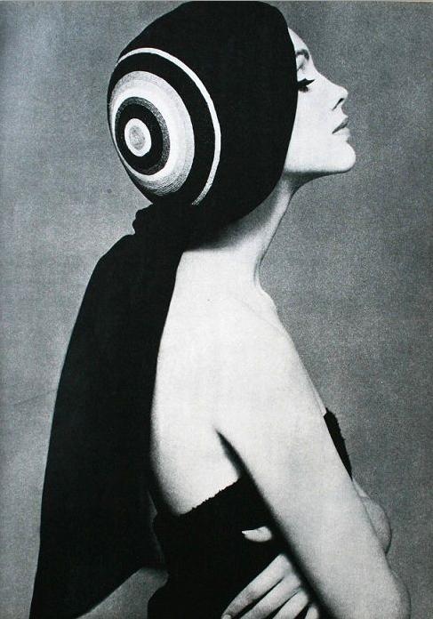Headdress by Jean Barthet, July 1963, Jardin des Modes.
