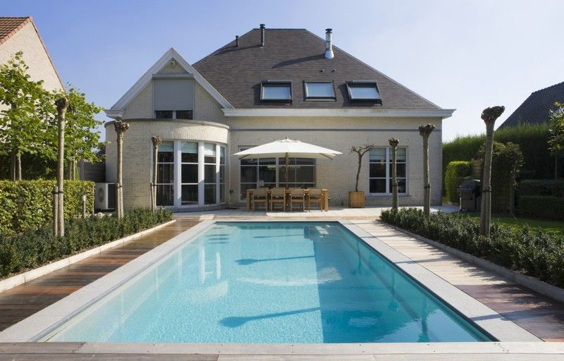 How Much Does It Cost to Build a Swimming Pool
