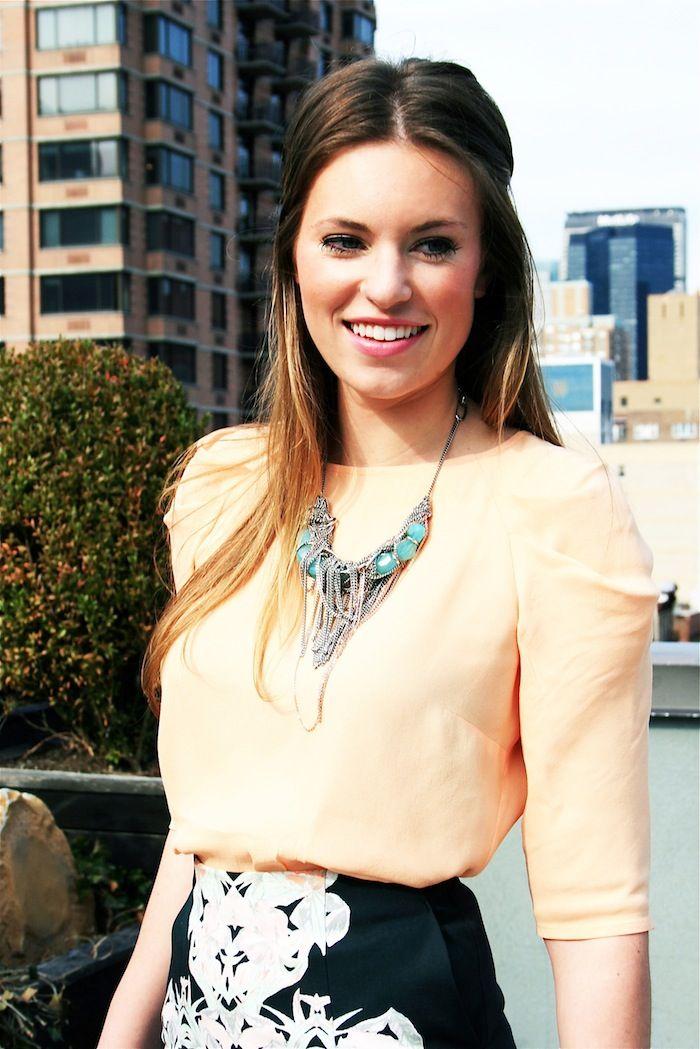 Gemma Redux. I have that necklace!