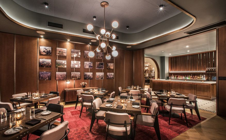 Chicago Restaurants With Private Dining Rooms Alluring The Interiors Of A Chicago Steakhouse Recall A Bygone Era And Pay Design Inspiration