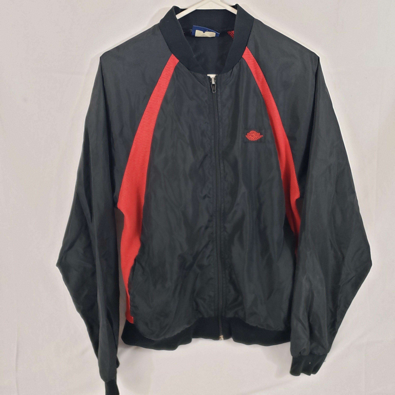Vintage 1985 Nike Air Jordan Og Bred Windbreaker Jacket Size Etsy In 2020 Vintage Jacket Jackets Windbreaker Jacket