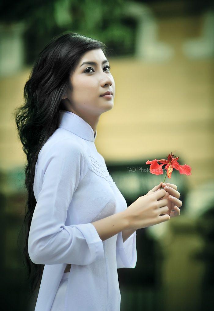 Hot girl ảnh thẻ Hương Lê diện áo dài trắng nhớ thuở học