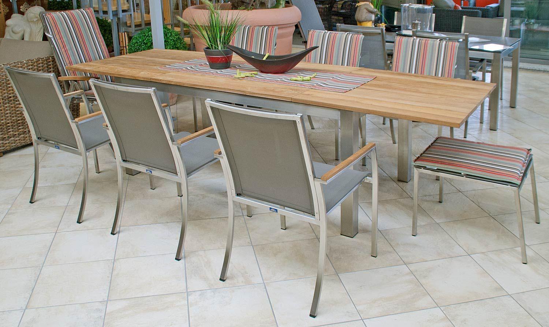 Gartenmobelset Stuhle Aus Edelstahl Und Teakholzauflage Stapelbar Tisch Mit Gestell Aus Edelstahl Gartenmobel Edelstahl Gartenmobel Gartenstuhl Edelstahl