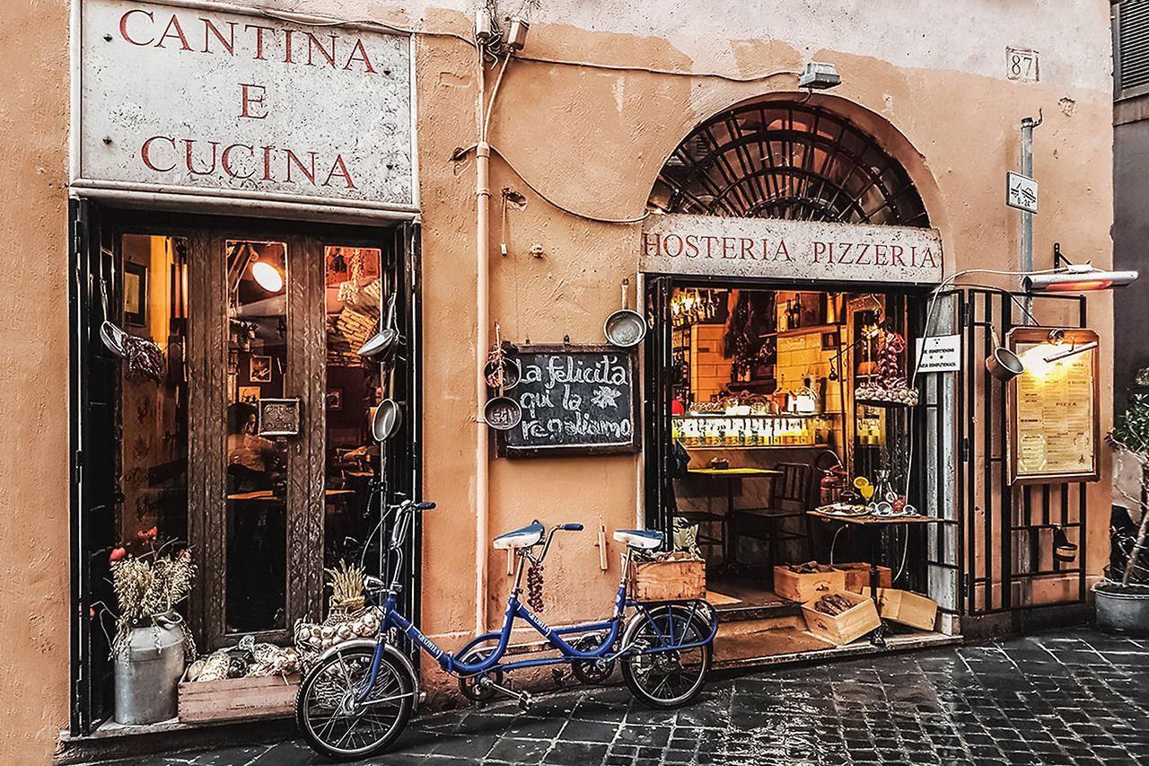 Cantina E Cucina Rome Rome Narrow Streets Rain Rome Italy Street Design