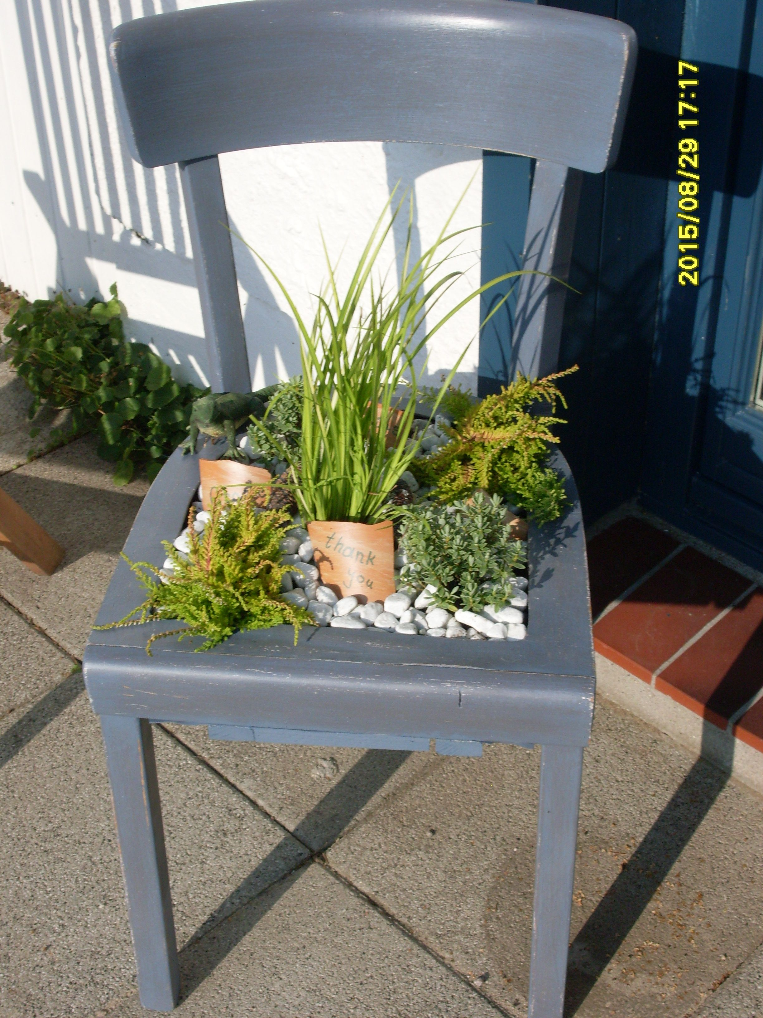 Pflanzenstuhl garten deko pinterest stuhl g rten - Bepflanzter stuhl ...