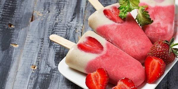 Protein-is med jordbær/hvit sjokolade