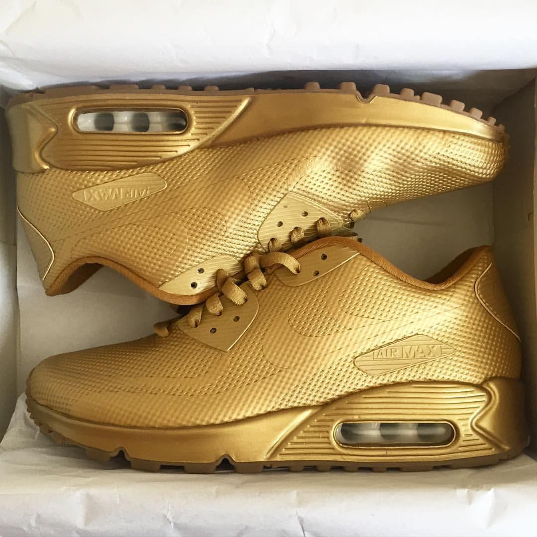 custom shoes nike black and gold nike hyperdunks
