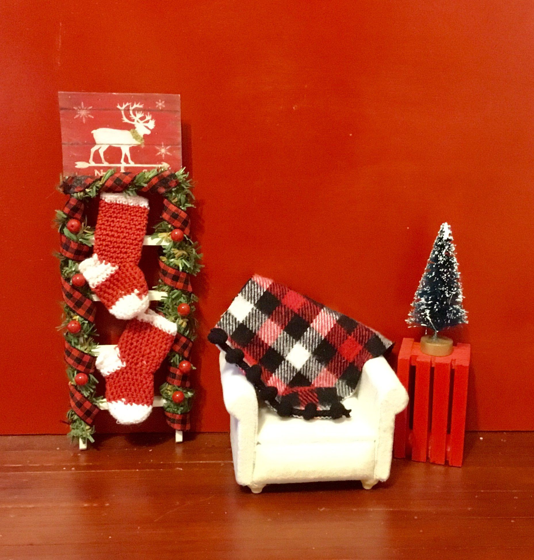 "Dollhouse Miniature Christmas Presents Holiday Gifts 1"" Scale 1:12 Candy Cane"