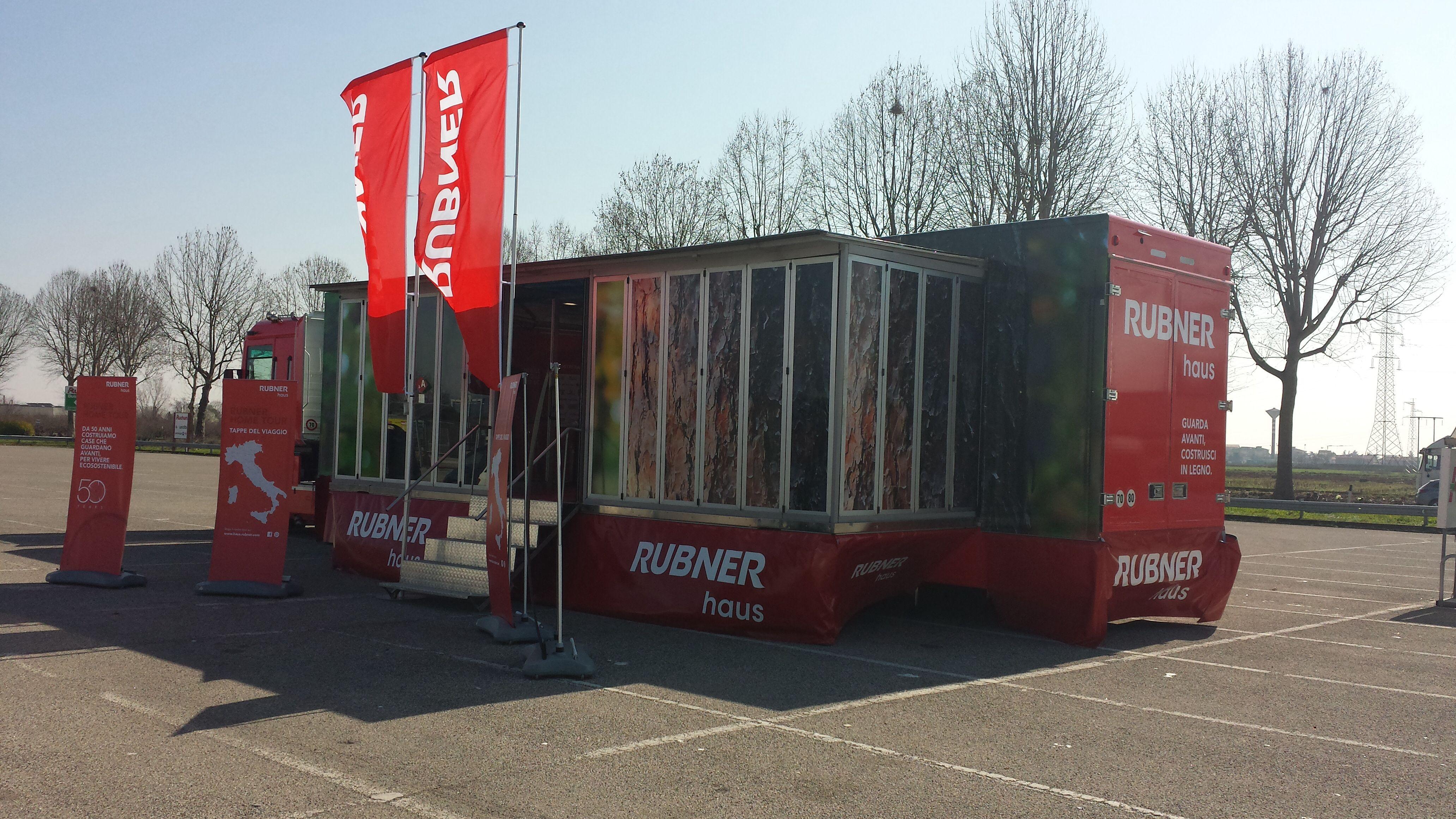 Oggi e domani siamo a Bussolengo davanti all' Auchan in provincia di Verona per la prima tappa del nostro Home Tour a bordo del nostro #RubnerTruck