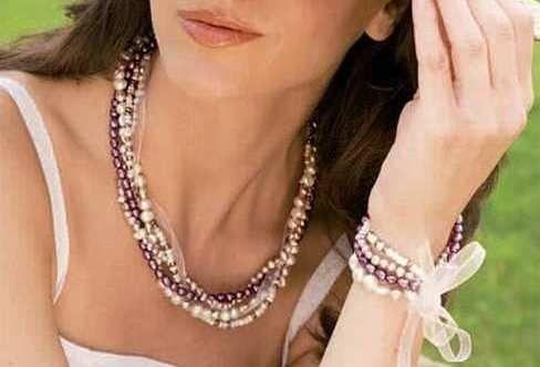 Abalorios, perlas y organza