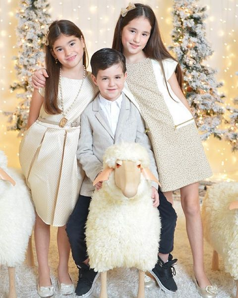 The PERFECT holiday looks!!! ✨#FashionKids #LooksWeLove #SnugglyWinterSessions #Dresses #SoFabulous #CMAccesories #Necklace #Barilynn #Headbands #SiblingsLove