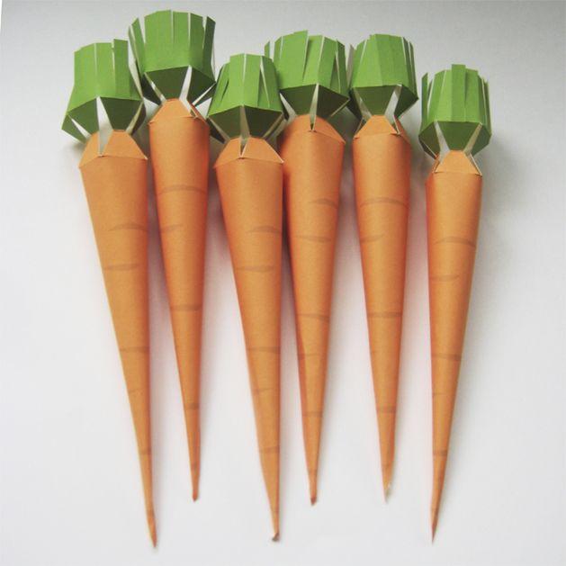Printable paper carrot treat holder (via Merilee..)
