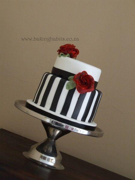 Black And White Red Rose Wedding Cake Wedding Cake Red Big Wedding Cakes