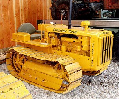 antique Caterpillar D2 tractor    like Carl's in 1978/1979