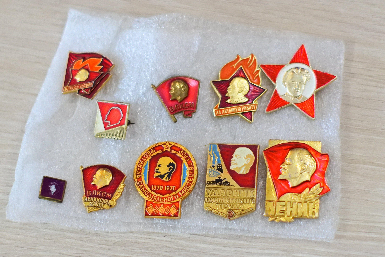 Antique Signature of Vladimir I Lenin Paper /& Soviet Union Flag Pin Badge