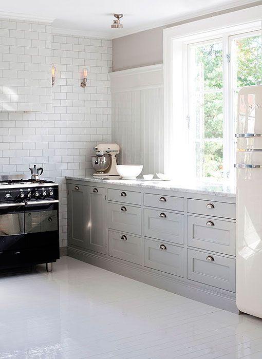 Cocina de estilo rústico decorada en gris y blanco | cocinas ...