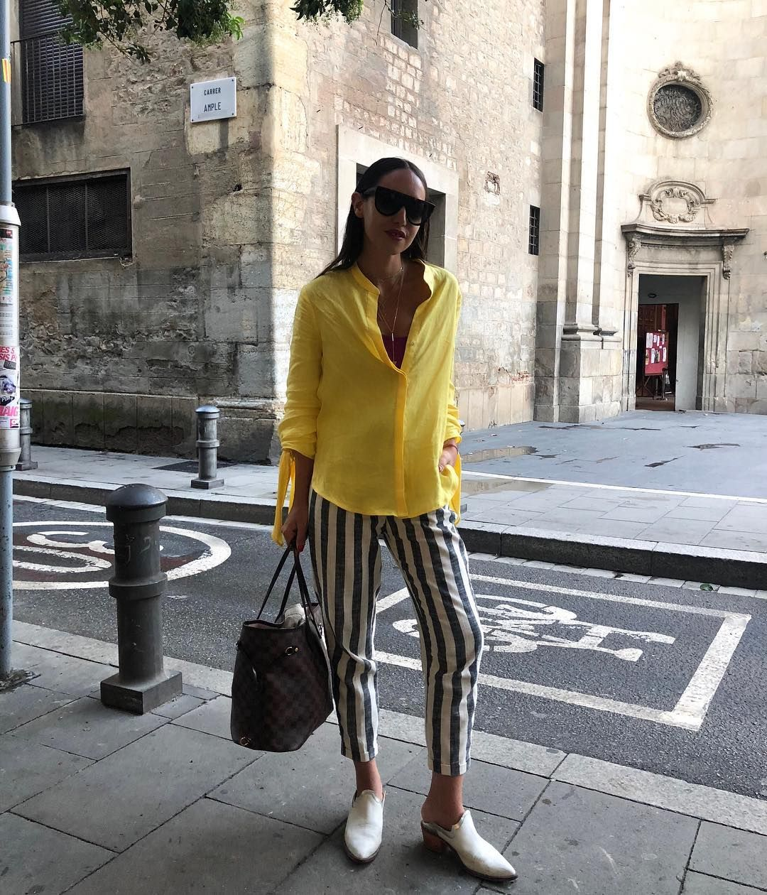 Con Este Color Amarillo Que Pide Verano Y Desde Arriba Del Avión Por Suerte Hay Wifi Me Despido De Este Eurotrip Feliz De Haber Est Style Fashion Striped