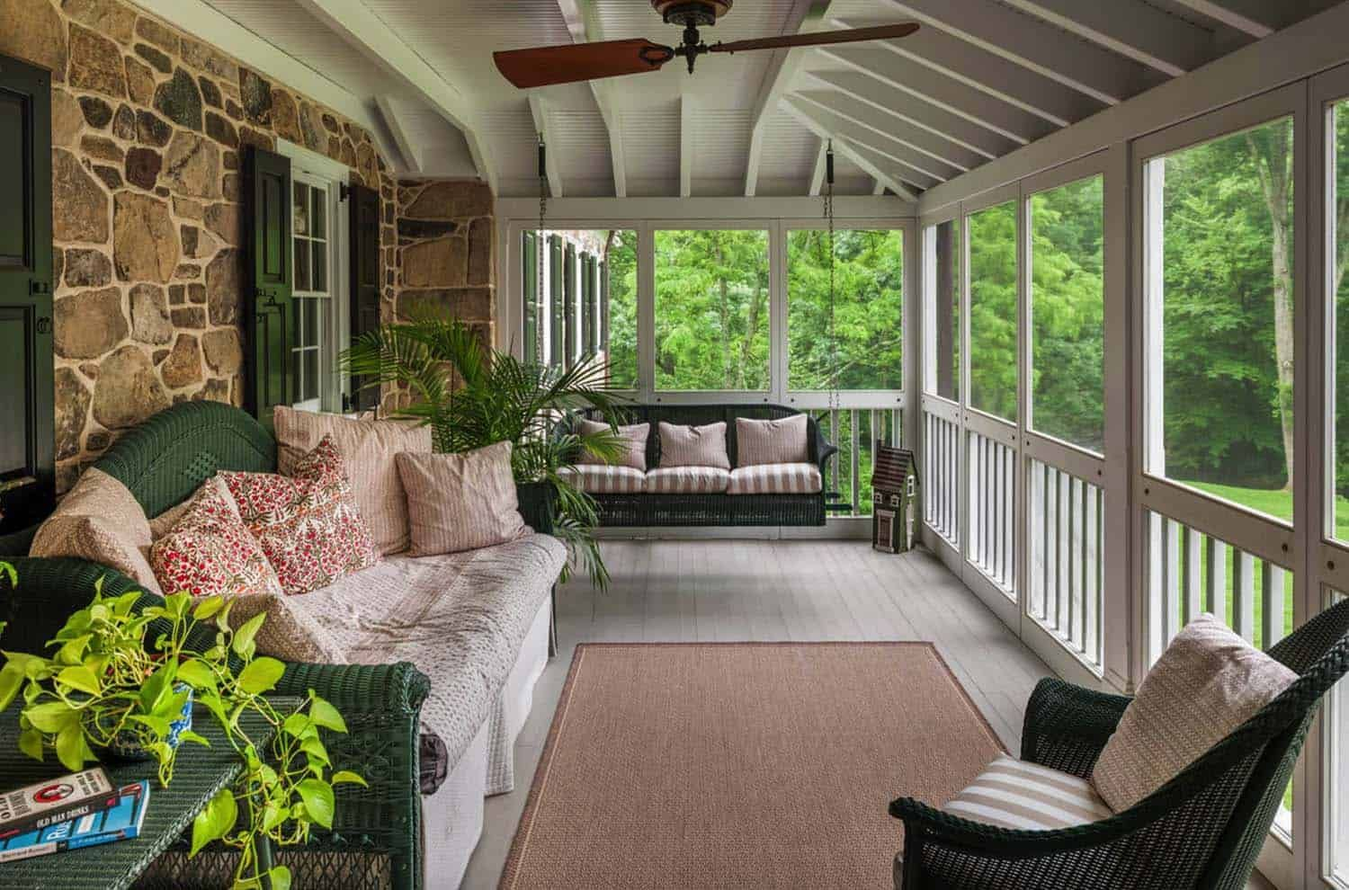 28 Beautiful Screened In Porch Ideas That You Will Love In 2020 Porch Design Mobile Home Porch Screened Porch Designs