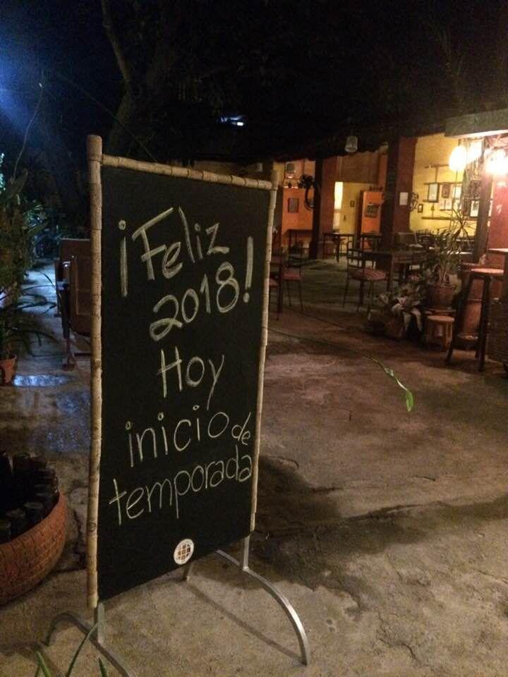 Se termina la espera... Esta noche a las 9, es el inicio de la temporada 2018, en QuisQueya eco-arte-café. ¡Y nos encanta!