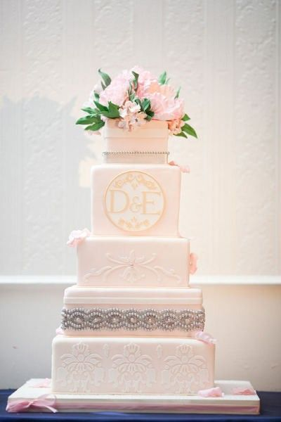 wedding cake with monogram monogram wedding cakes the wedding specialiststhe 26927