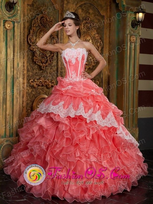 2979eb7196 New Style Arrival Strapless Ruffles Quinceanera Dress with Appliques  Decorate In Formal Evening in Cotoca Bolivia