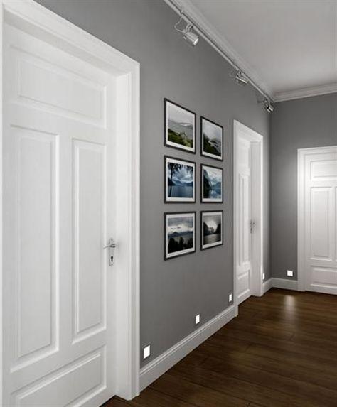 Graue Wände Wohnzimmer: Zusammenspiel Von Grauen Wänden, Weißen Türen Und Dunkel