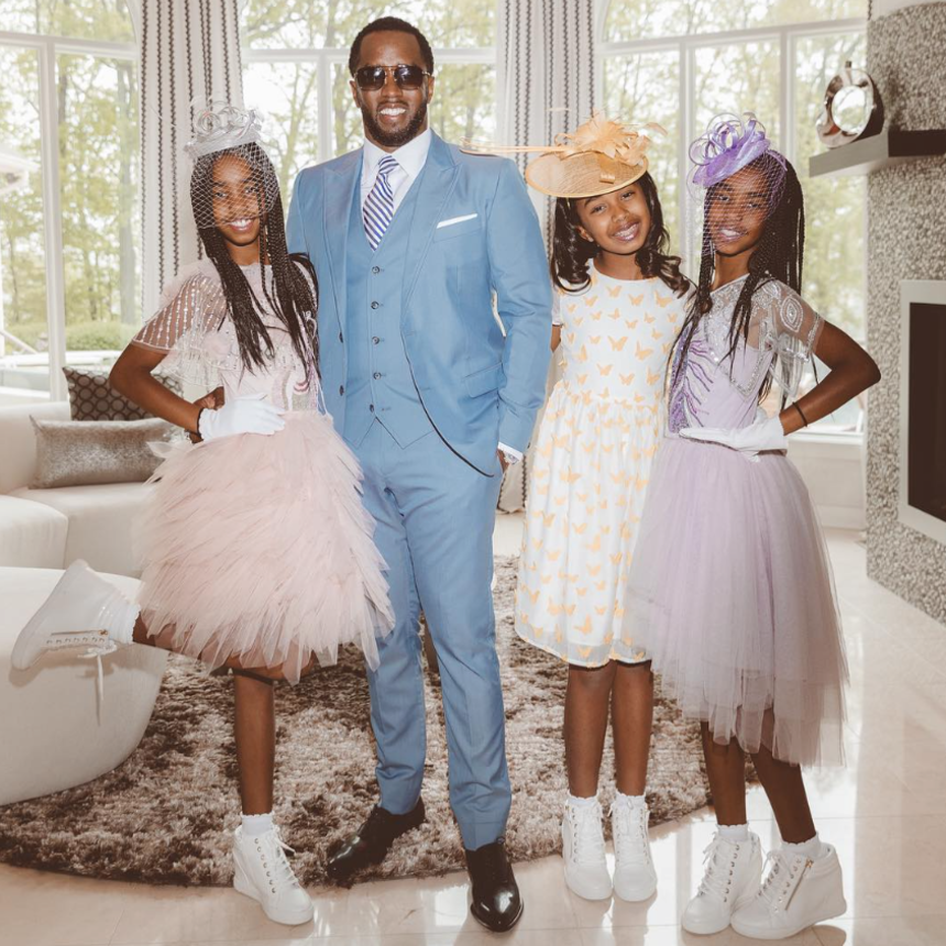 767eb71e Diddy And Twin Daughters Celebrate First Christmas Without Kim Porter