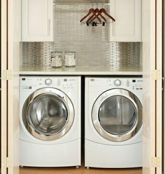 Kleine-Waschküche-Fliesenspiegel