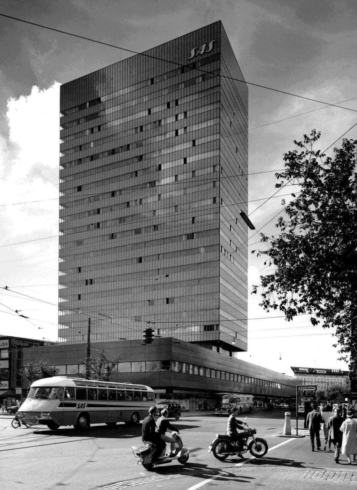 Arne jacobsen sas hotel k benhavn 1954 for Architektur 1960
