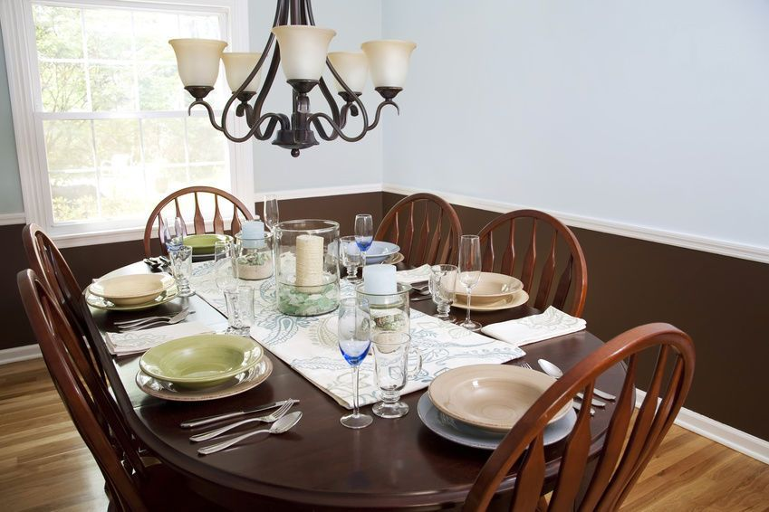 How To Use A Table Runner