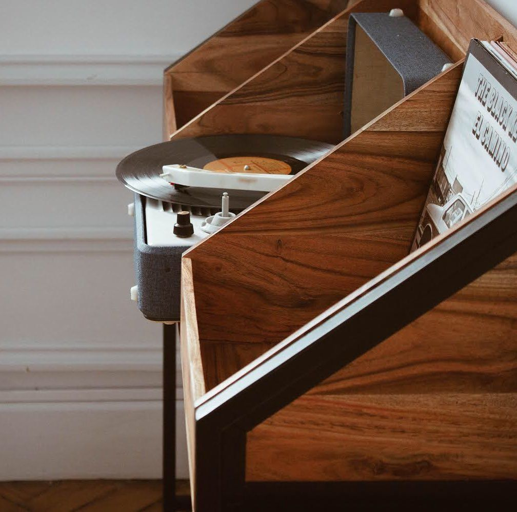 Meubles Vinyles On Instagram Les Admirer Les Choisir Facilement Les Pianoter A L Infini Me Vinyl Record Cabinet Vinyl Record Storage Record Cabinet