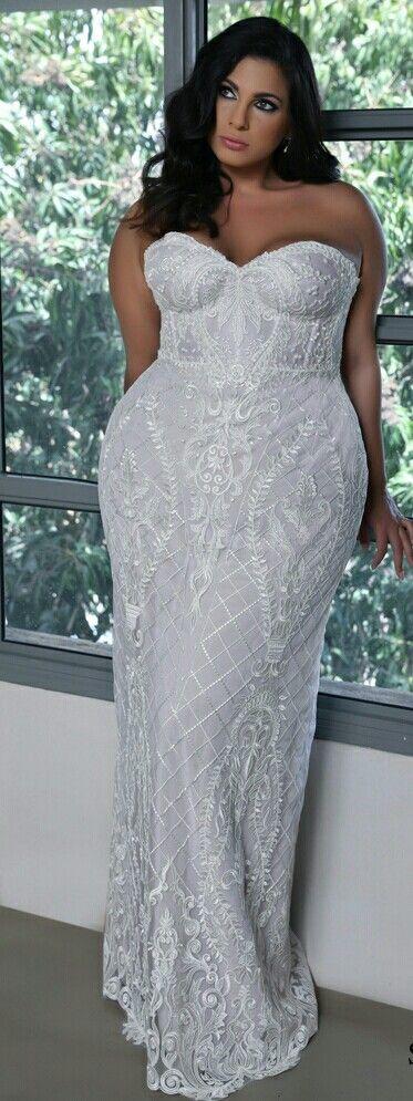 plus size sexy lace wedding dress. madlene. studio levana. 2018