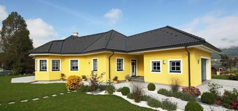 bungalow mit walmdach in holzbauweise errichtet von pichler haus bungalow pinterest haus. Black Bedroom Furniture Sets. Home Design Ideas