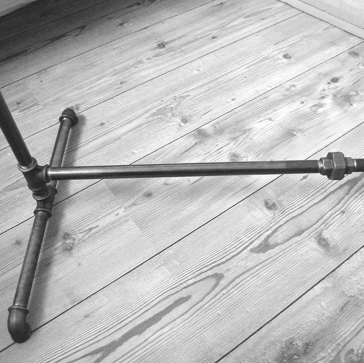 kleiderst nder aus stahlrohr steel pipe clothing rack various steel pipe design pinterest. Black Bedroom Furniture Sets. Home Design Ideas