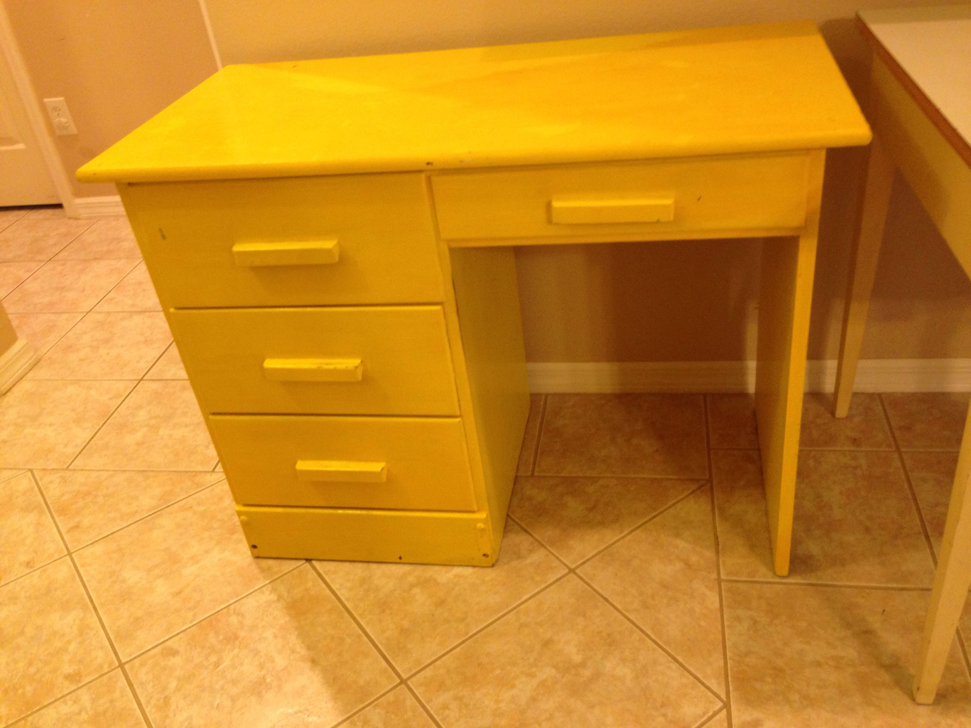 dsc blue school ticking yellow desk vintage childrens sony