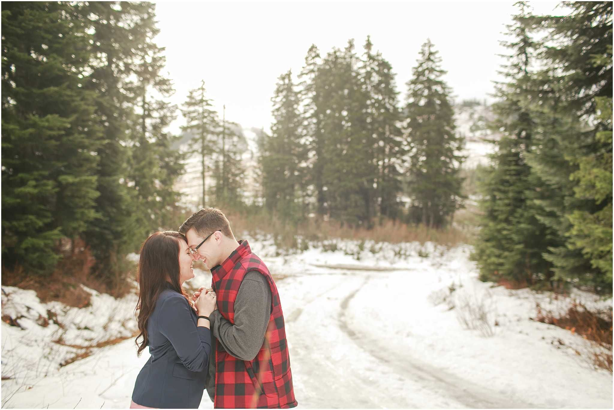 Chelsea and Todd | Snowy Alpental Engagement Session