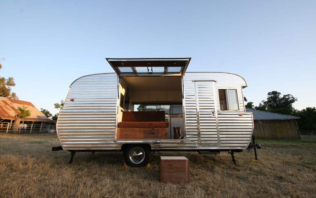 This Is A Professionally Renovated 1961 Traveleze Affectionately Known As Whiskeze She Is A Comp Vintage Campers Trailers Vintage Camper Trailers For Sale