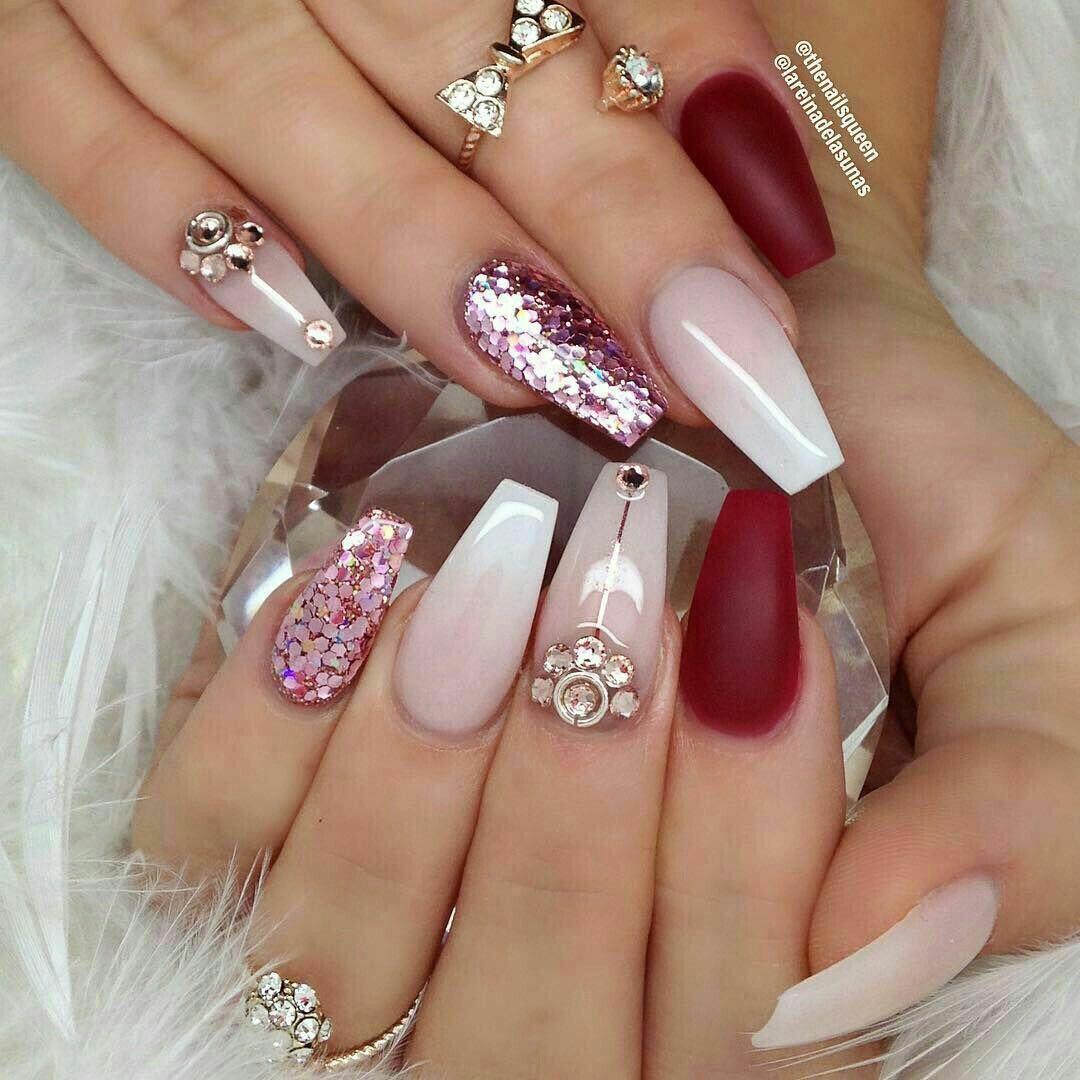 Uñas de acrílico. Color vino, nude y gliter rosa | uñas | Pinterest