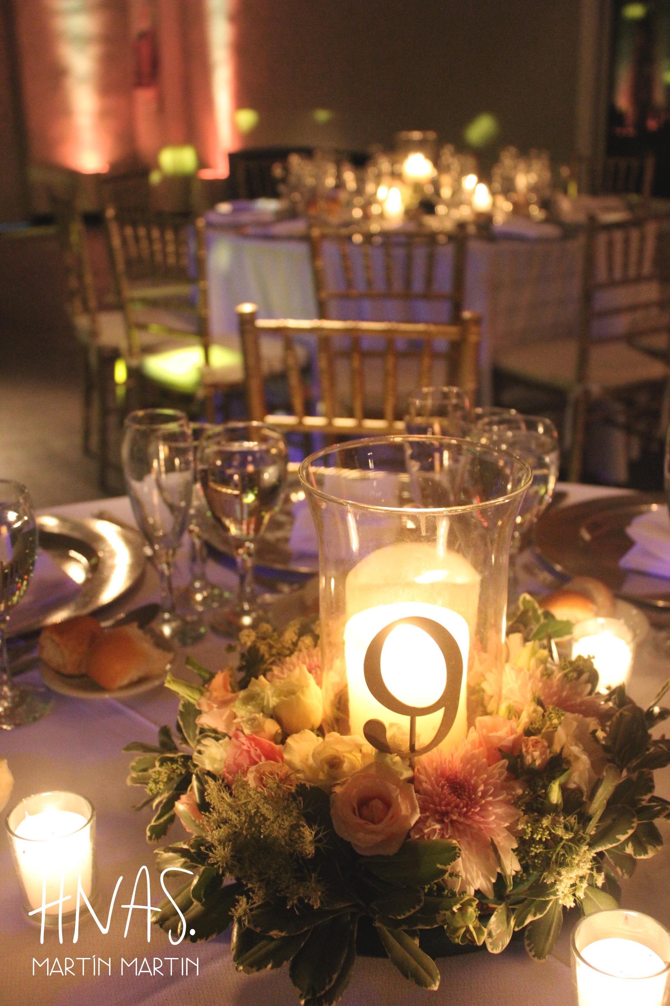 Casamiento Boda Ambientacion Wedding Decor Centros De Mesa Flores Peonias Velas Centerpieces Centro De Mesa Casamiento Mesas De Boda Mesa De Matrimonio