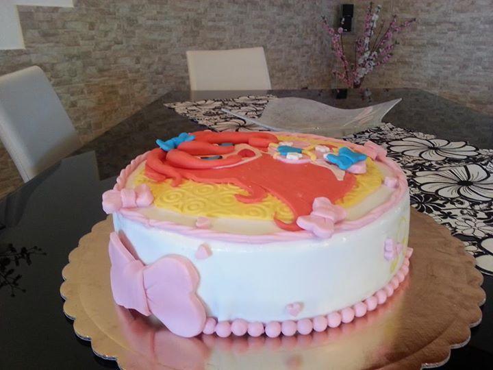 tra figlie e nipoti e figliocci... le torte non si contano più