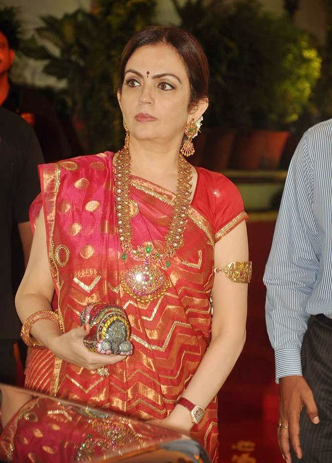 Neeta Ambani lookin resplendent in all that jewellery at Esha Deol's