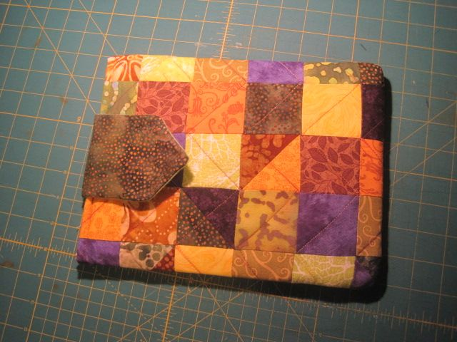 this is Jennifer's iPAD cover pieced then stitched in the ditch to ... : padded quilts - Adamdwight.com