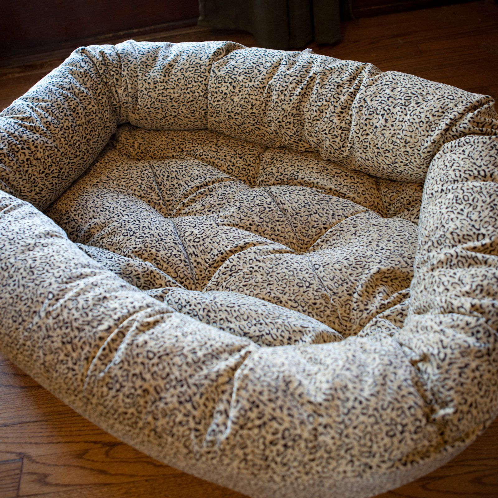 Donut Dog Bed Size Medium Color Charcoal Check Out This Great Product This Is An Affiliate Link Dogbeds Dog Bed Sizes Dog Bed Donut Dog Bed