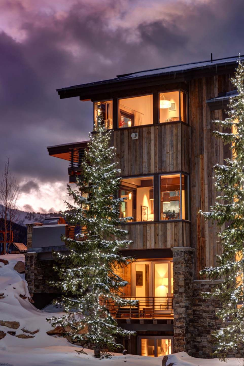 Luxurious mountain home in utah lets you ski to your door
