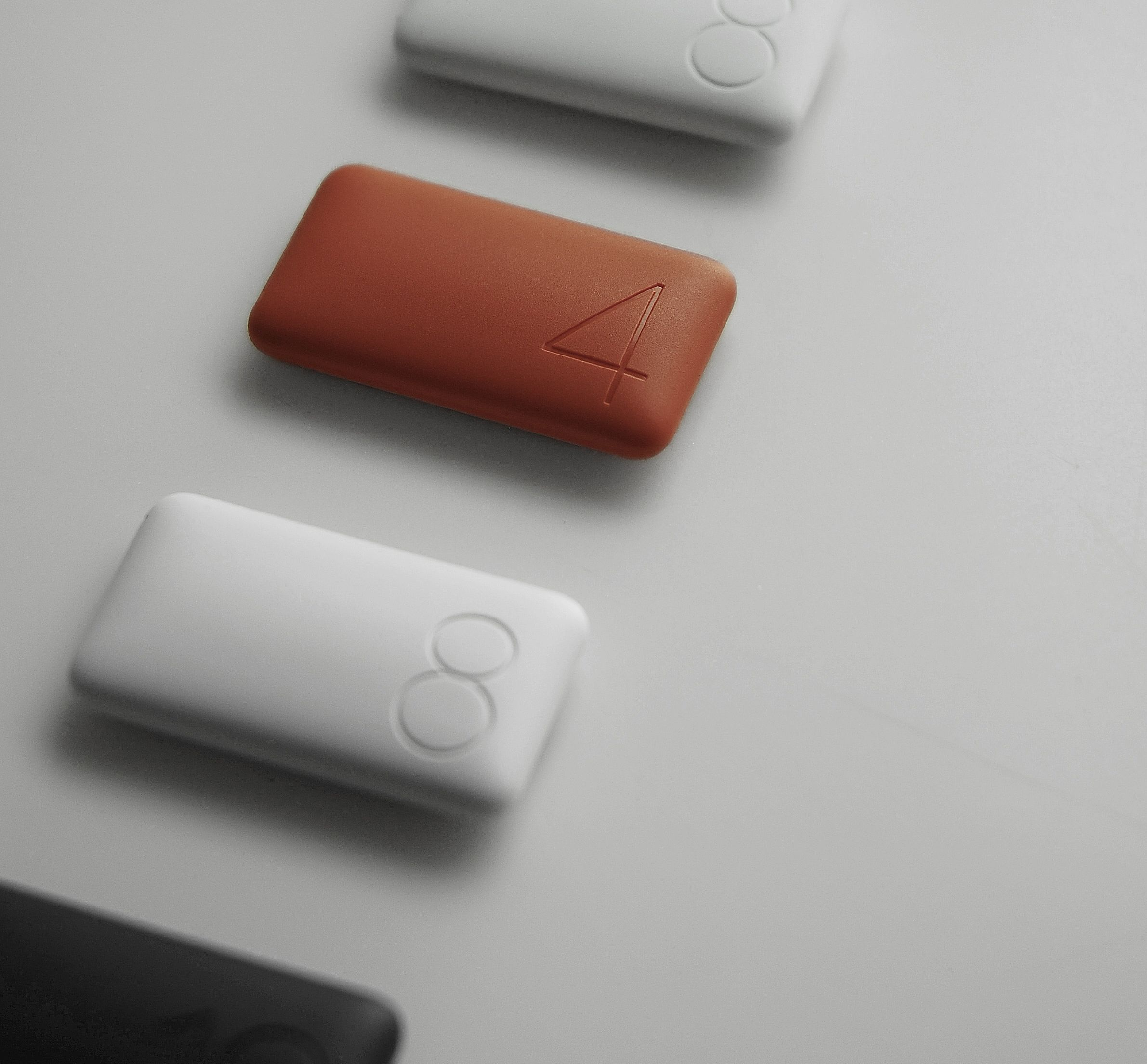The Domino Inflate is the third generation USB memory stick.  by Yeong Kyu Yoo, Soo Jin Choi, Se Min Jun / Recognized with the iF product design award 2010 - gold